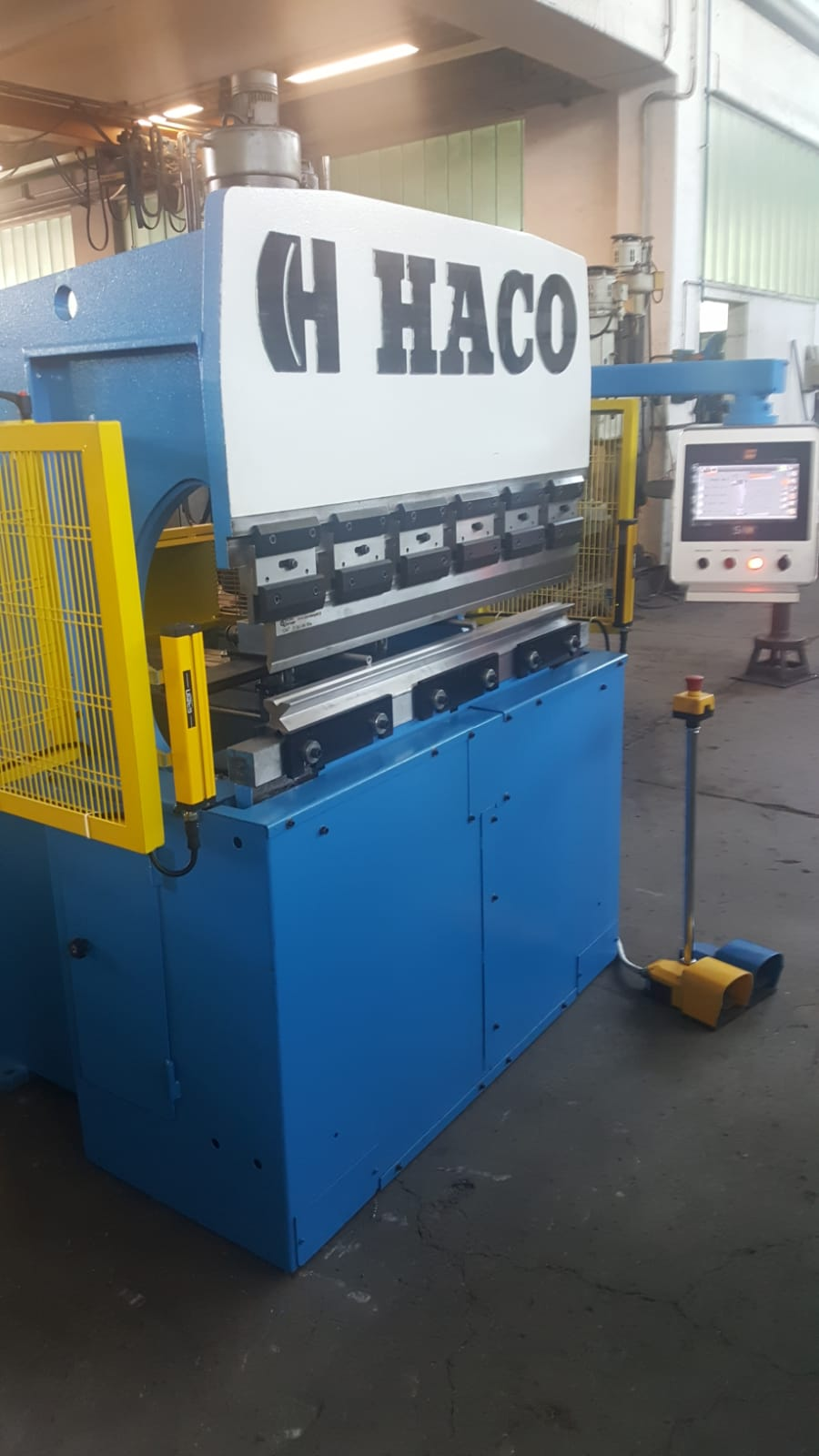 Used Press brake Haco 1250x35 ton
